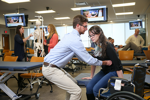 Physical Therapy Students at UND School of Medicine & Health Sciences receive scholarships